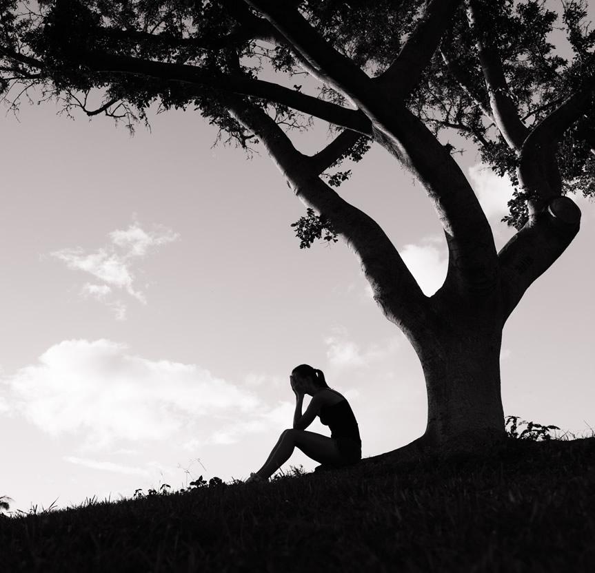 koinonia-woman-under-tree